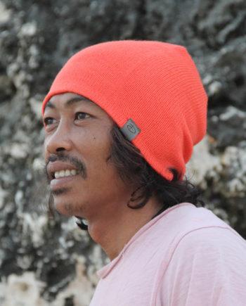 Man wearing SRIKANDI adults terra beanie