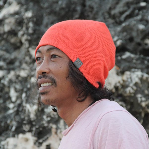 Man wearing SRIKANDI adults terra beanie